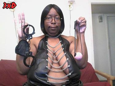 Ik ben een Dominante Donkere Dame!